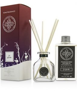 THE CANDLE COMPANY REED DIFFUSER WITH ESSENTIAL OILS - FIR NEEDLES 100ML/3.38OZ