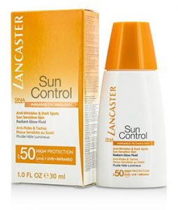 LANCASTER SUN CONTROL ANTI-WRINKLES & DARK SPOTS RADIANT GLOW FLUID SPF 50 - FOR SUN SENSITIVE SKIN 30ML/1OZ